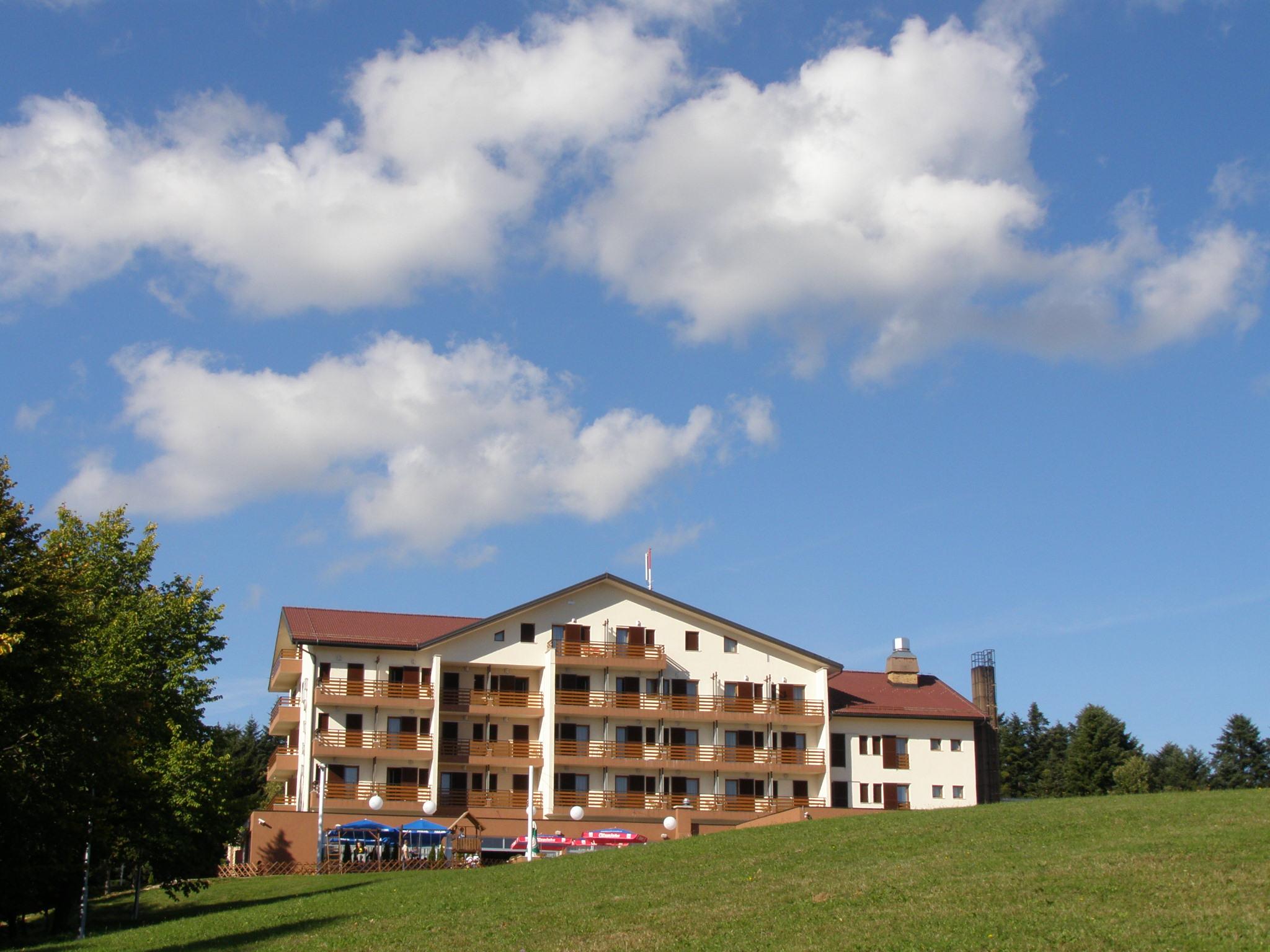 Kozara Monument Hotel Monument - Mrako...